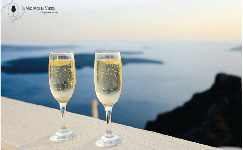 Two glasses of champagne in the paradise!
